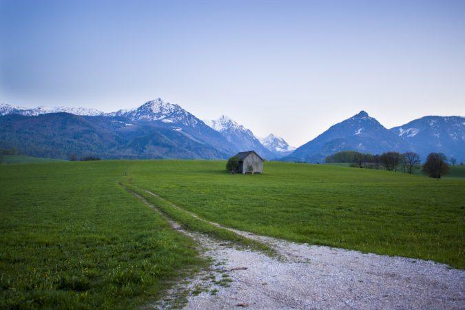 0216-04-lone-shed-austria-p